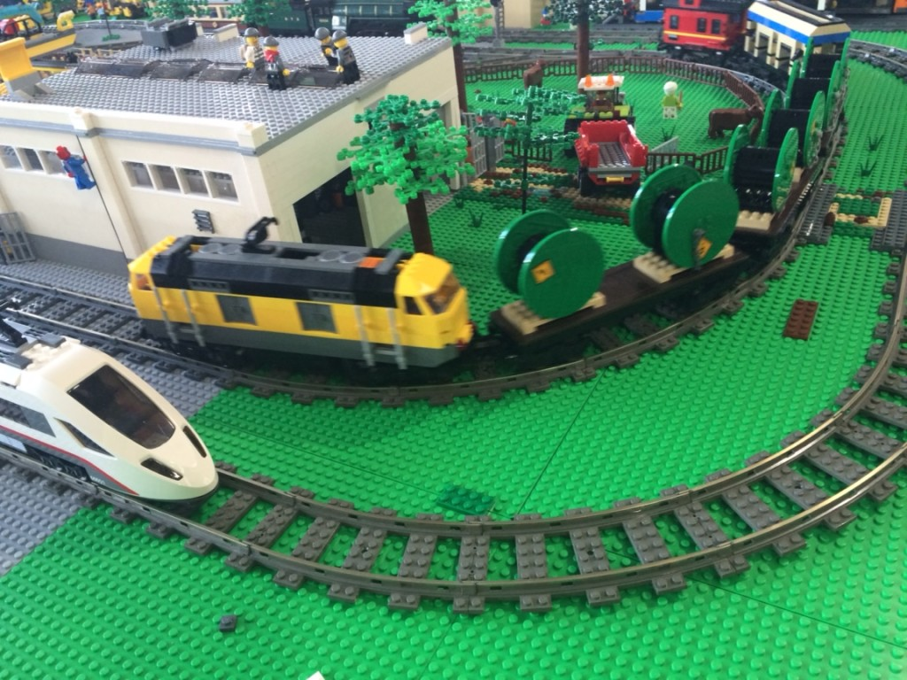 my top 3 lego city trains bricks mcgee. Black Bedroom Furniture Sets. Home Design Ideas