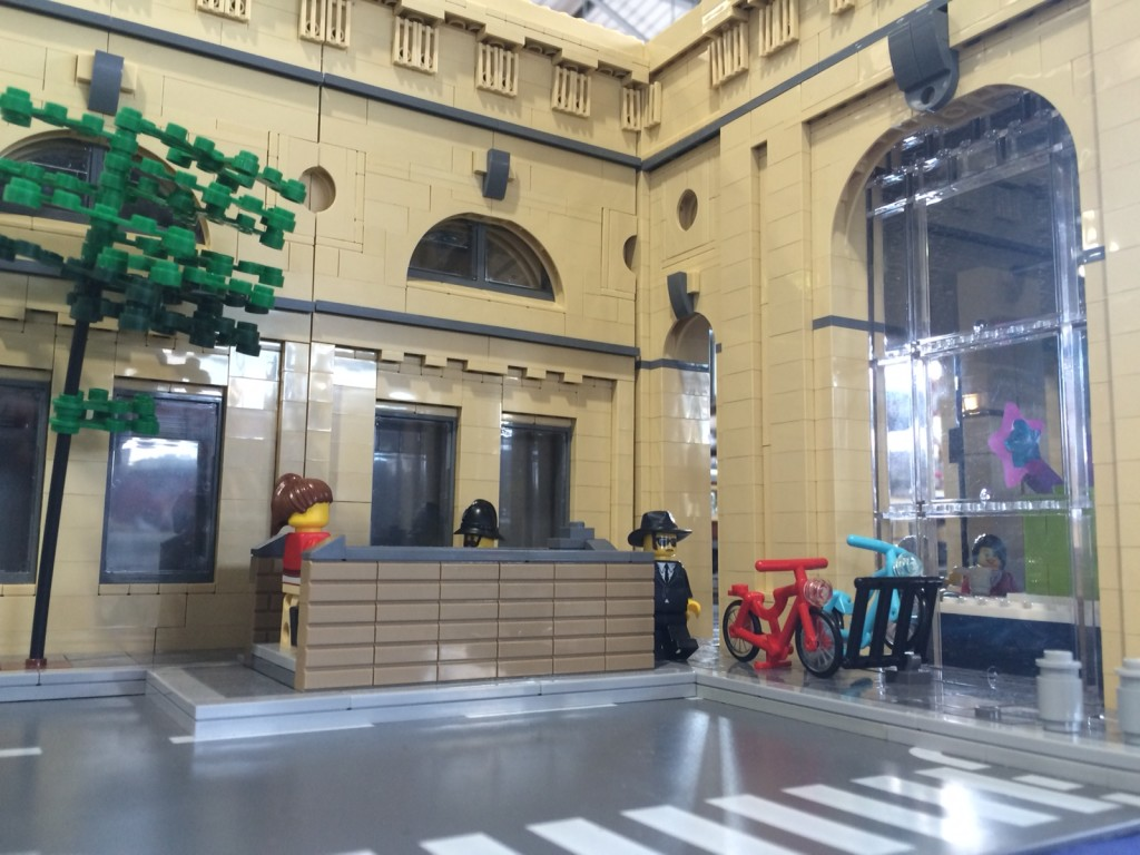 newcastle-central-station-in-lego_21190564904_o