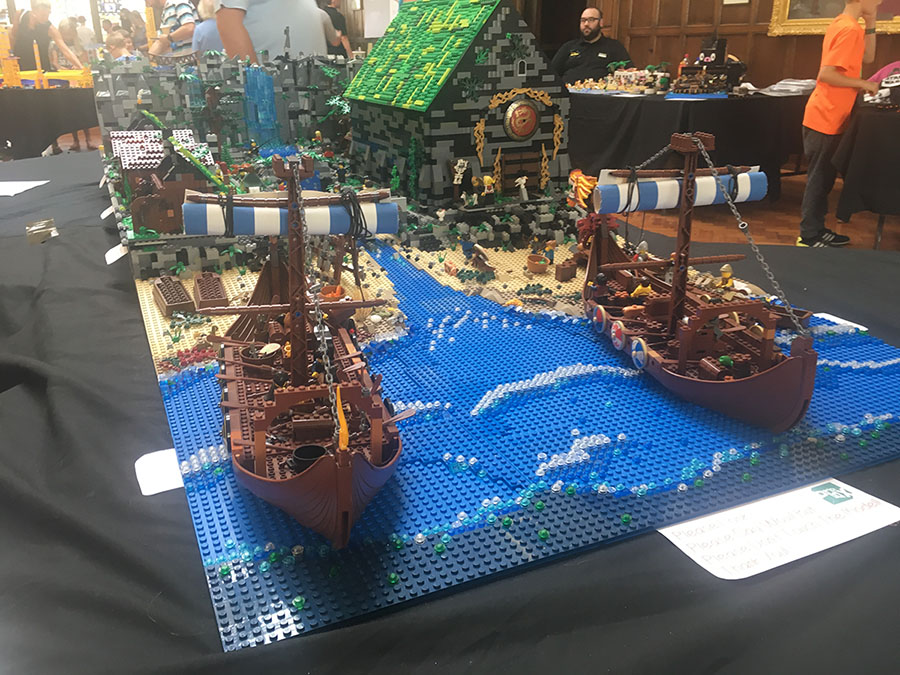 Chris McKnight's LEGO Viking scenes