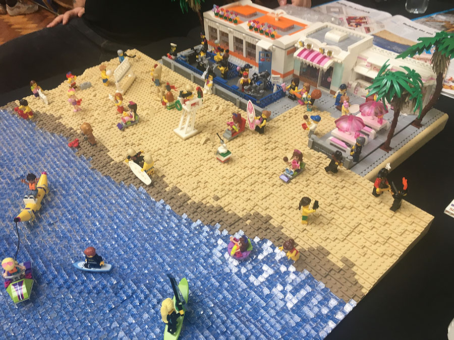 Mike Freeman's LEGO beach scene at Hull Block Con