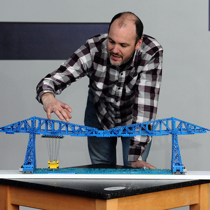 LEGO builder Steve Mayes; Transporter Bridge LEGO model