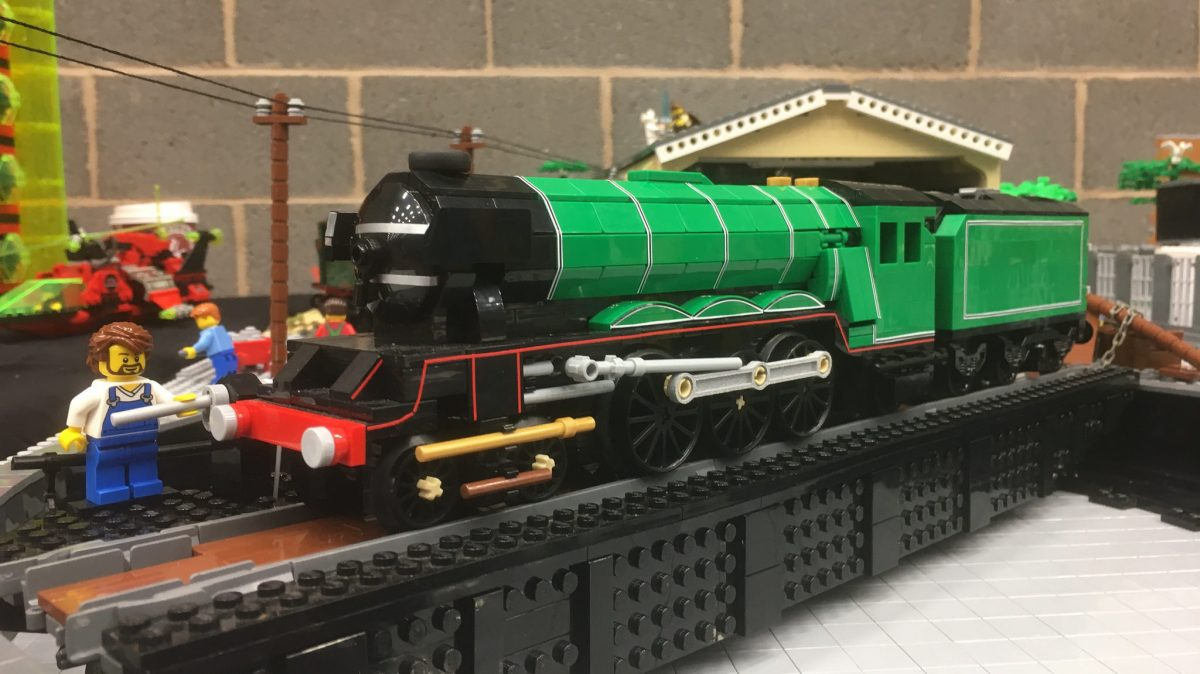 LEGO Flying Scotsman model by Isaac Smith