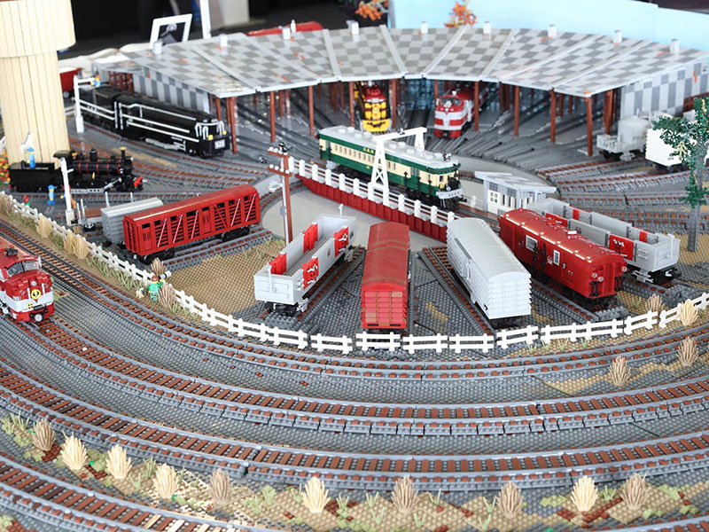 Roundhouse LEGO model by Damien Graetz - Brick Train Awards 2020